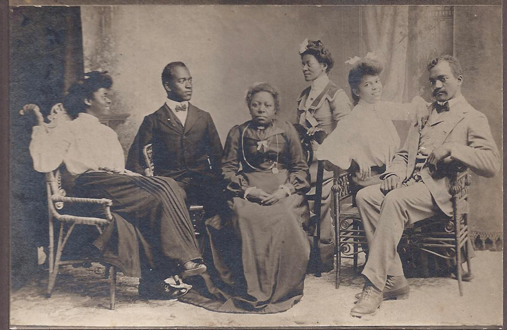 The Batey Family. Photo courtesy of the Benzie Area Historical Museum.